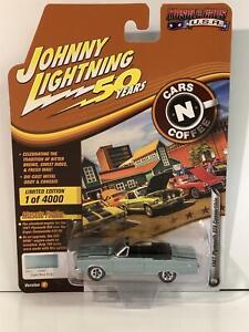 1967-Plymouth-Gtx-Convertible-Luz-Azul-Poly-1-64-Johnny-Lightning-jlmc-020B