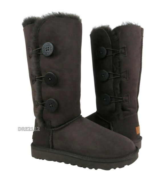 b3cb3ff07d9 UGG Australia Womens Bailey Button Triplet II Chocolate Size 6 # 1016227  (301)