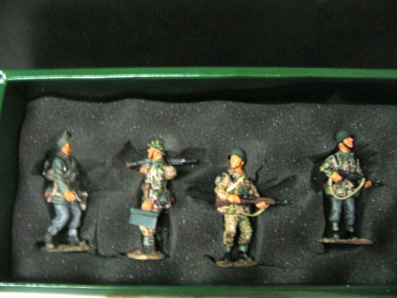 WOW EXTREMELY RARE King & Country WS027 4 Waffen SS Panzer Grenadiers BNIB-WSS27