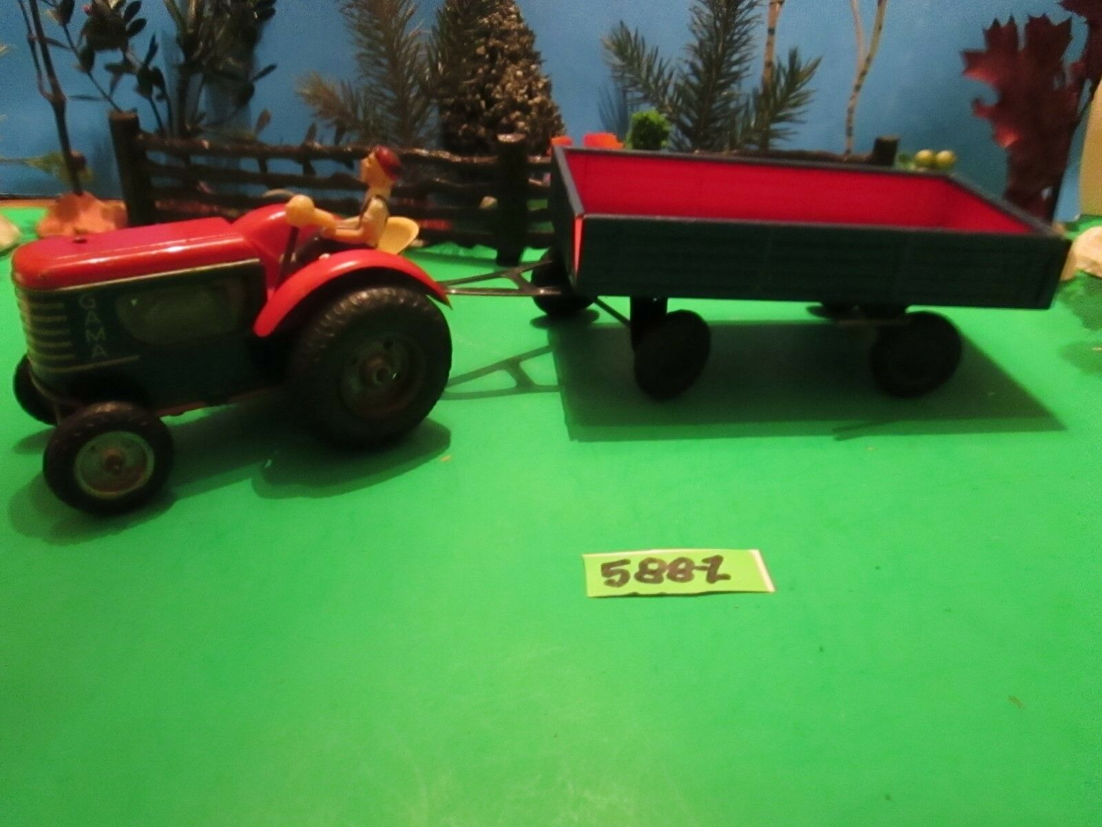 Sweet Vintg 1 32nd Scale 1960 GAMA rosso Farm Tractor w  Dumping Wagon   588-Z
