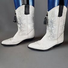 WRANGLER SIZE 8 WHITE AND BLACK SILVER LEATHER COWBOY BOOTS...WESTERN TASSELLS 5