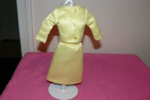 Details about Franklin Mint Jackie Kennedy Vinyl Doll France State Visit  Suit And Hat