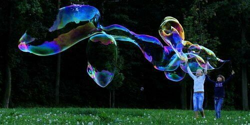 GIANT BUBBLES GIANT BUBBLE STICK WAND MAKER from BUBBLES WORLD