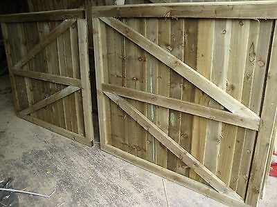 WOODEN DOUBLE GATES  DRIVEWAY GARDENTREATED READY TO FIT HEAVY DUTY FULLYFRAMED