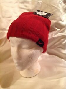 Youth New Nike beanie knit hat red black reversible size 8-20  61e840b1106