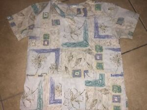 WOMENS-SIZE-SMALL-FASHION-SCRUBS-DOCTOR-NURSE-SCRUB-TOP-WITH-POCKETS-FLOWERS