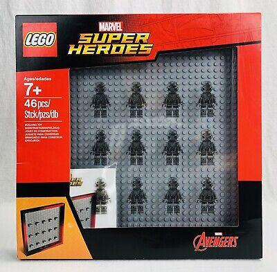 Lego 853611 Marvel Superheroes minifigures display