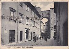 CARTOLINA TOSCANA PISA- VOLTERRA, VIA ROMA E TORRI BUOMPARENTI -V1941-