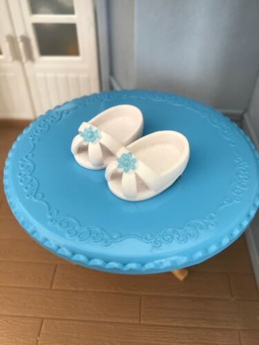 Sylvanian FAMILIES RICAMBI Bianco Blu Fiore Scarpe MAMMA Calico Critters negozio di scarpe