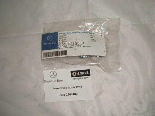 Genuine Mercedes-Benz R230 SL Airbag Crash Sensor A0038212851 NEW