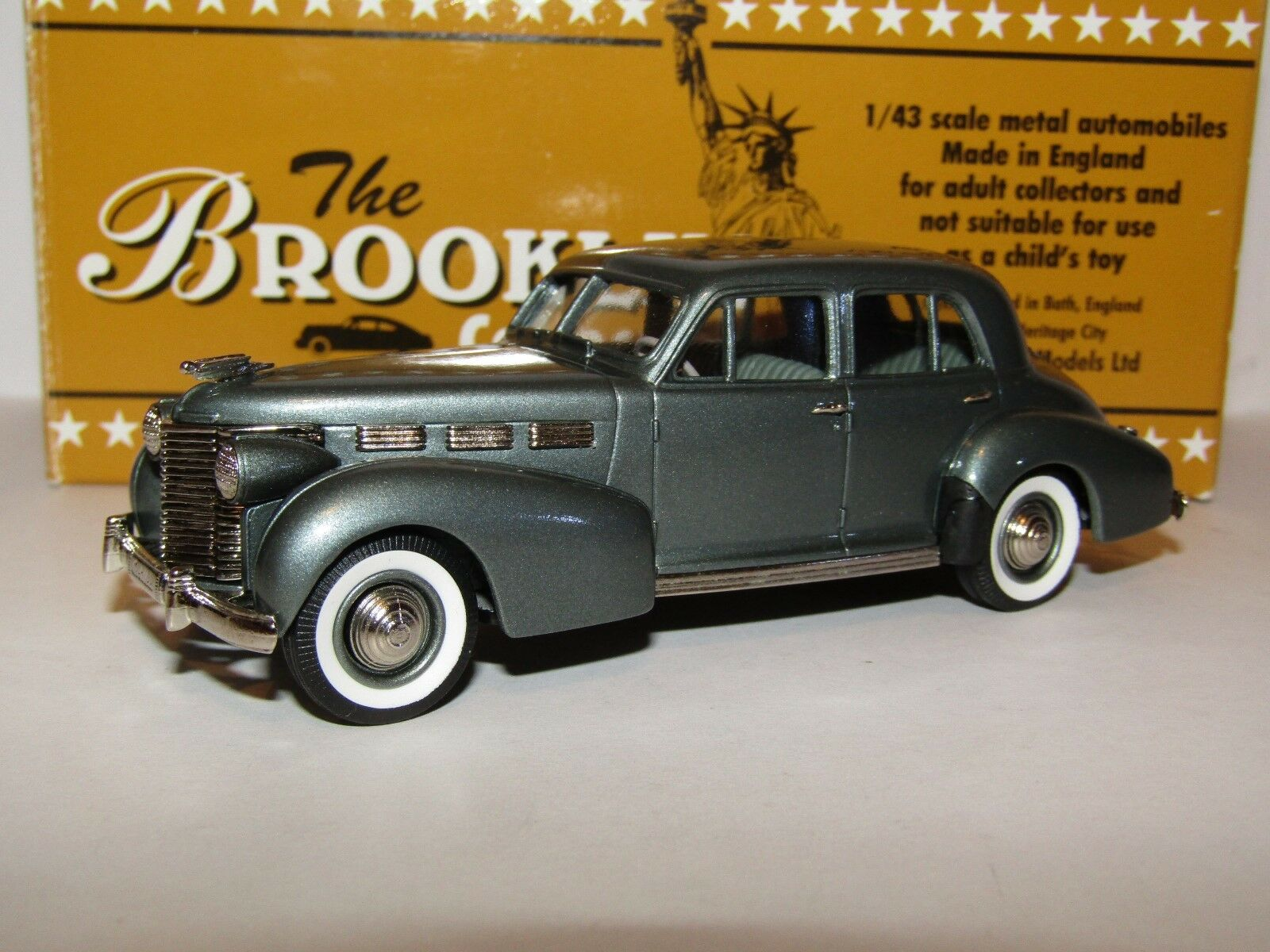 BROOKLIN MODELS 1938 CADILLAC 60 SPECIAL METALLIC GREEN 1 43 BRK86