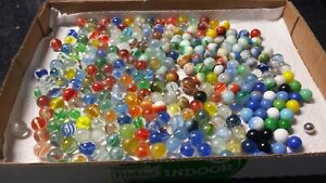 LOT-of-280-Vintage-Glass-Marbles-Cats-Eye-Swirl-Spiral-amp-More-LOOK