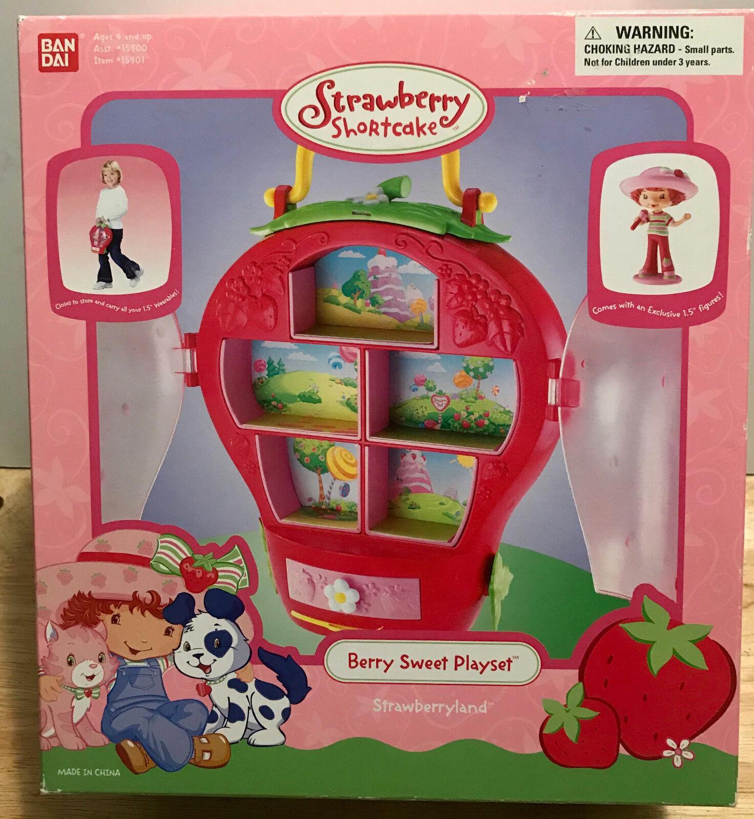 Strawberry Shortcake Berry Sweet Sweet Sweet Playhouse 2004 NEW  AGES 4+ BAN DAI 8b851b