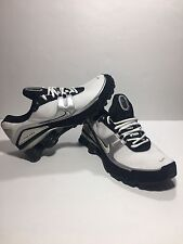 Men's NIKE Shox Turbo V+ White / Black Athletic Shoes 316872-101 Size 8.5. US
