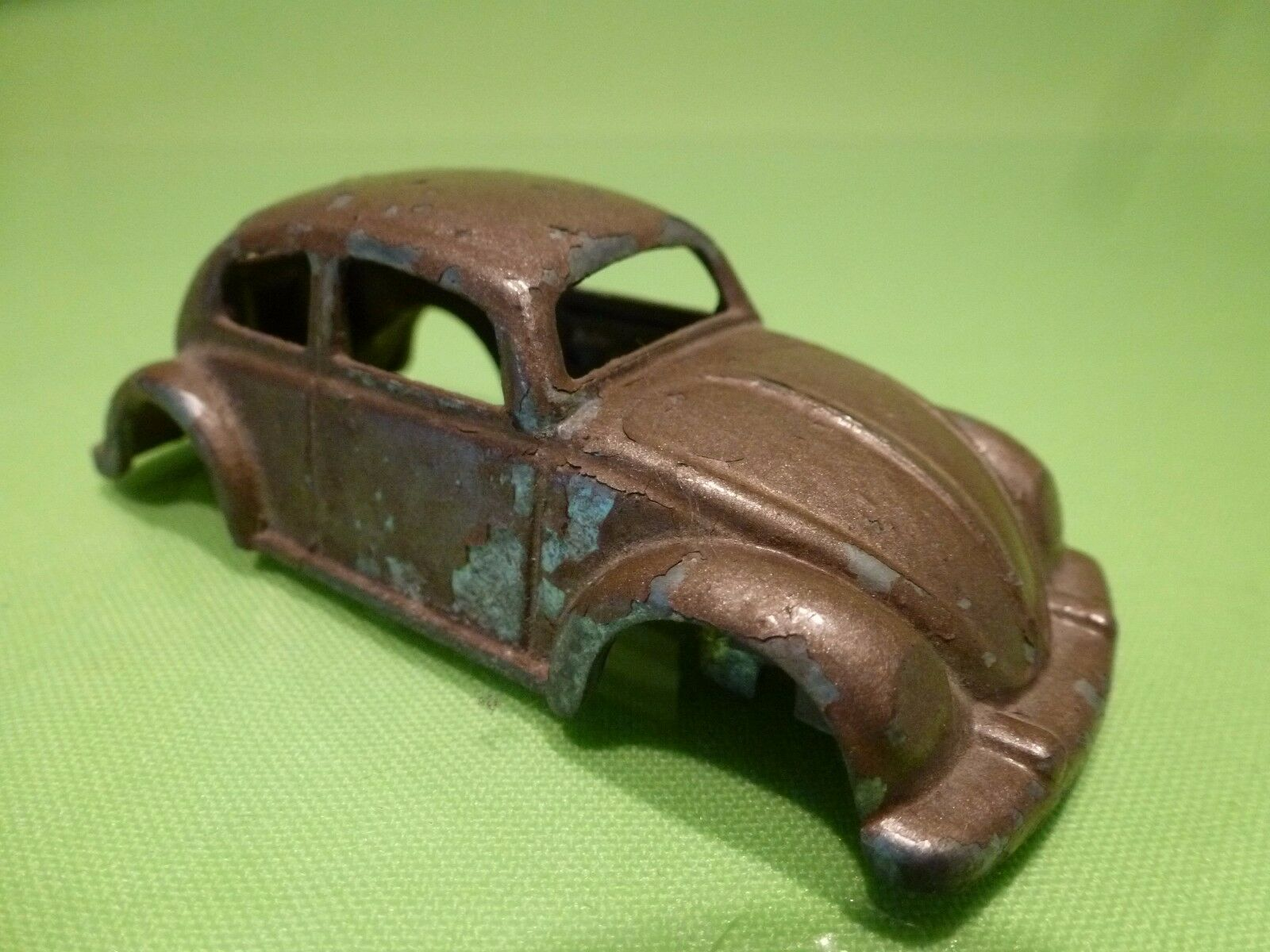 SWEERING HOLLAND    VW VOLKSWAGEN BEETLE BODY (for chassis DINKY TOYS) RARE- GOOD 59566a