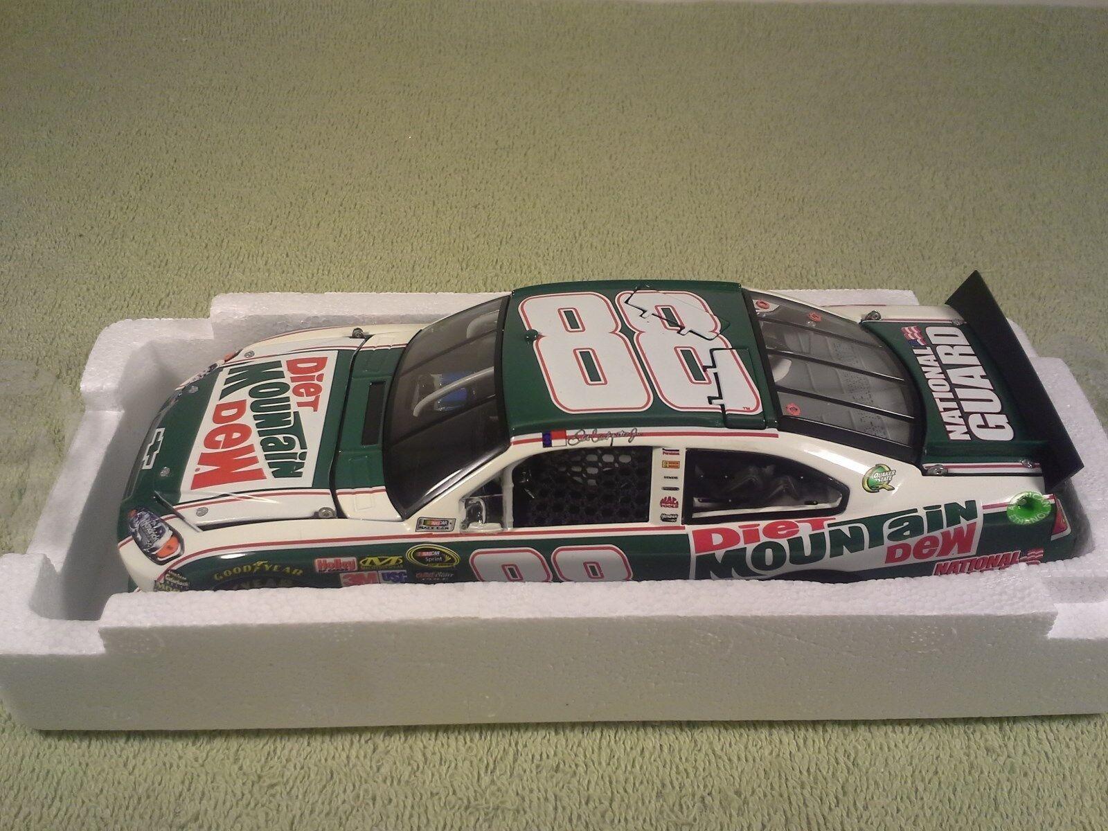 2011 Lionel Dale Earnhardt Jr  88 Diet Mountian Dew Rétro Diecast NASCAR 1 24