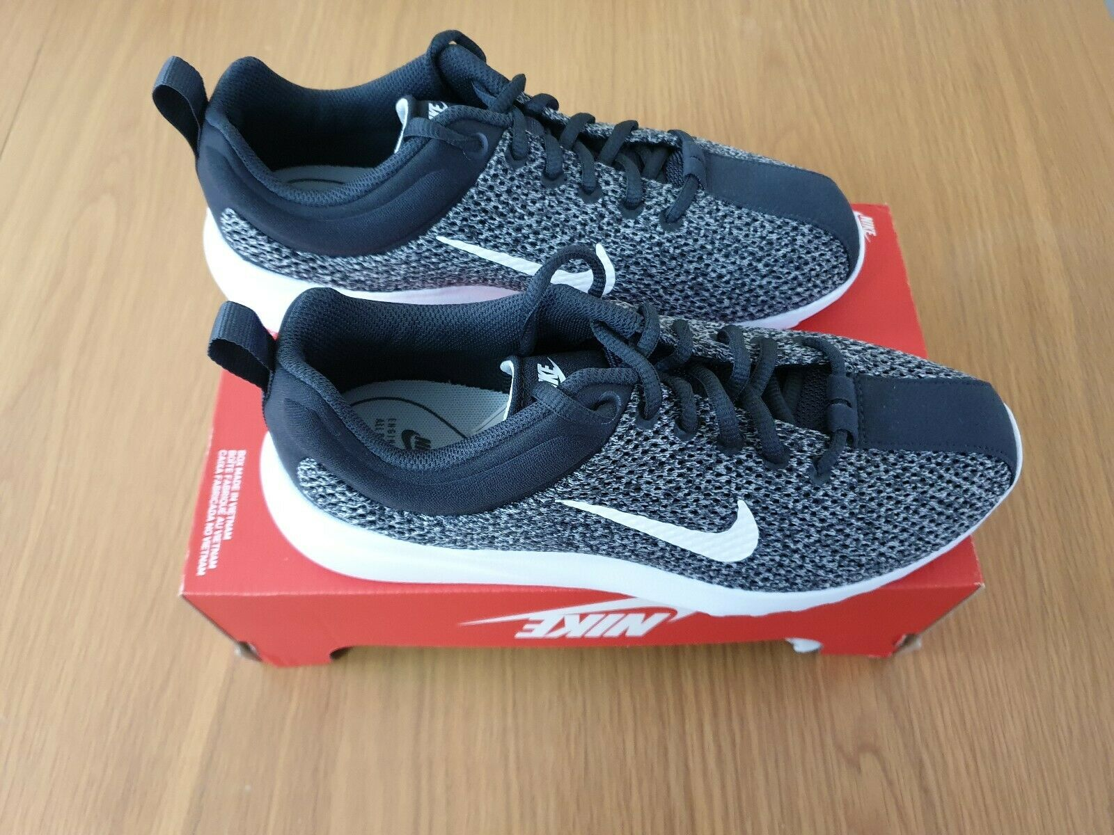 Womems Nike Superflyte Size 5.5UK