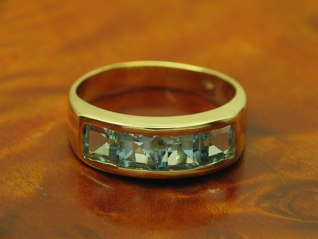 14kt 585 yellowgold Ring mit 5,60ct bluetopas Besatz   6,1g   RG 63