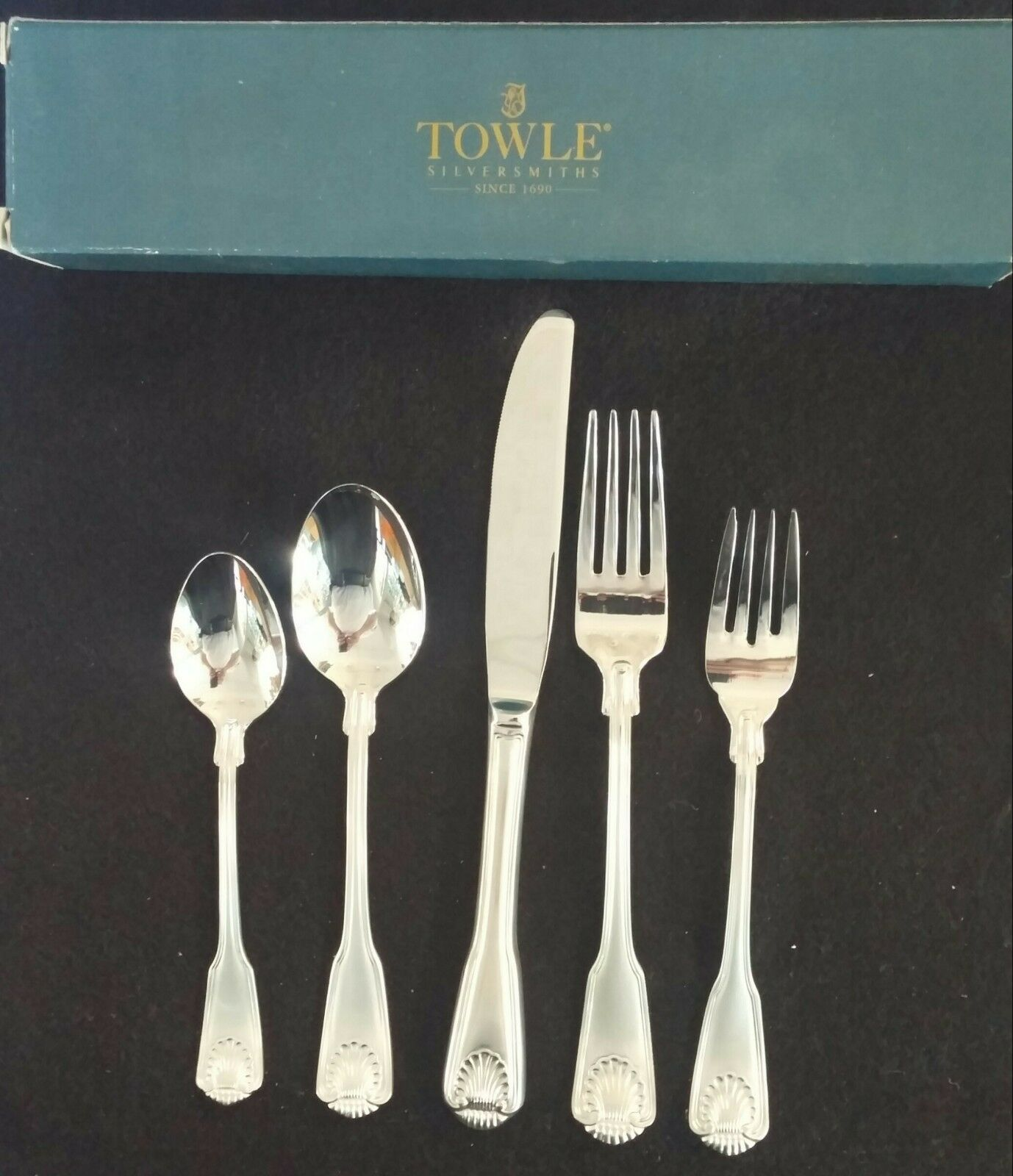 TOWLE LONDON Shell Inoxydable Coutellerie 5 pièces Place Setting 18 8 Made in Corée
