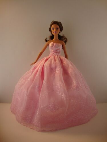 Pink Lace Gown with nice details Made to Fit Barbie Doll   dolls not included