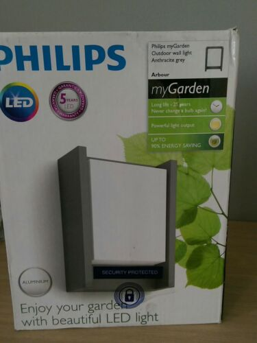 BRAND NEW PHILLIPS 240 VOLT GARDEN LIGHT 25 YEAR LED BULB ENERGY SAVE