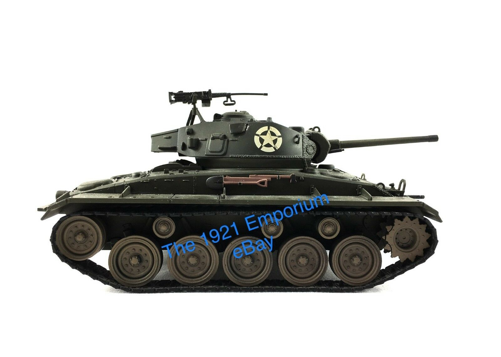 1 32 Diecast Unimax Toys Forces of Valor WWII US Army M24 Chaffee Tank - 54mm