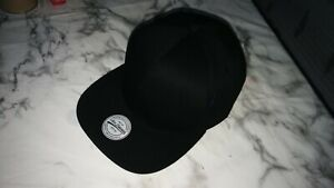 H-amp-M-black-baseball-cap