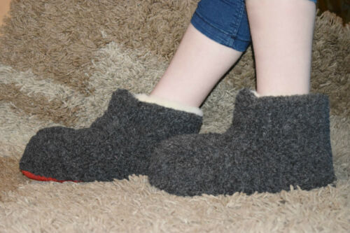 Women`s//Ladie`s Pure Sheep Wool Slippers Boots Sheepskin Sizes UK 3,4,5,6,7,8 BM