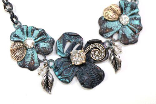 D6 Antiqued Green Verde Crystal Flower Swirl Necklace Earring Set Boutique