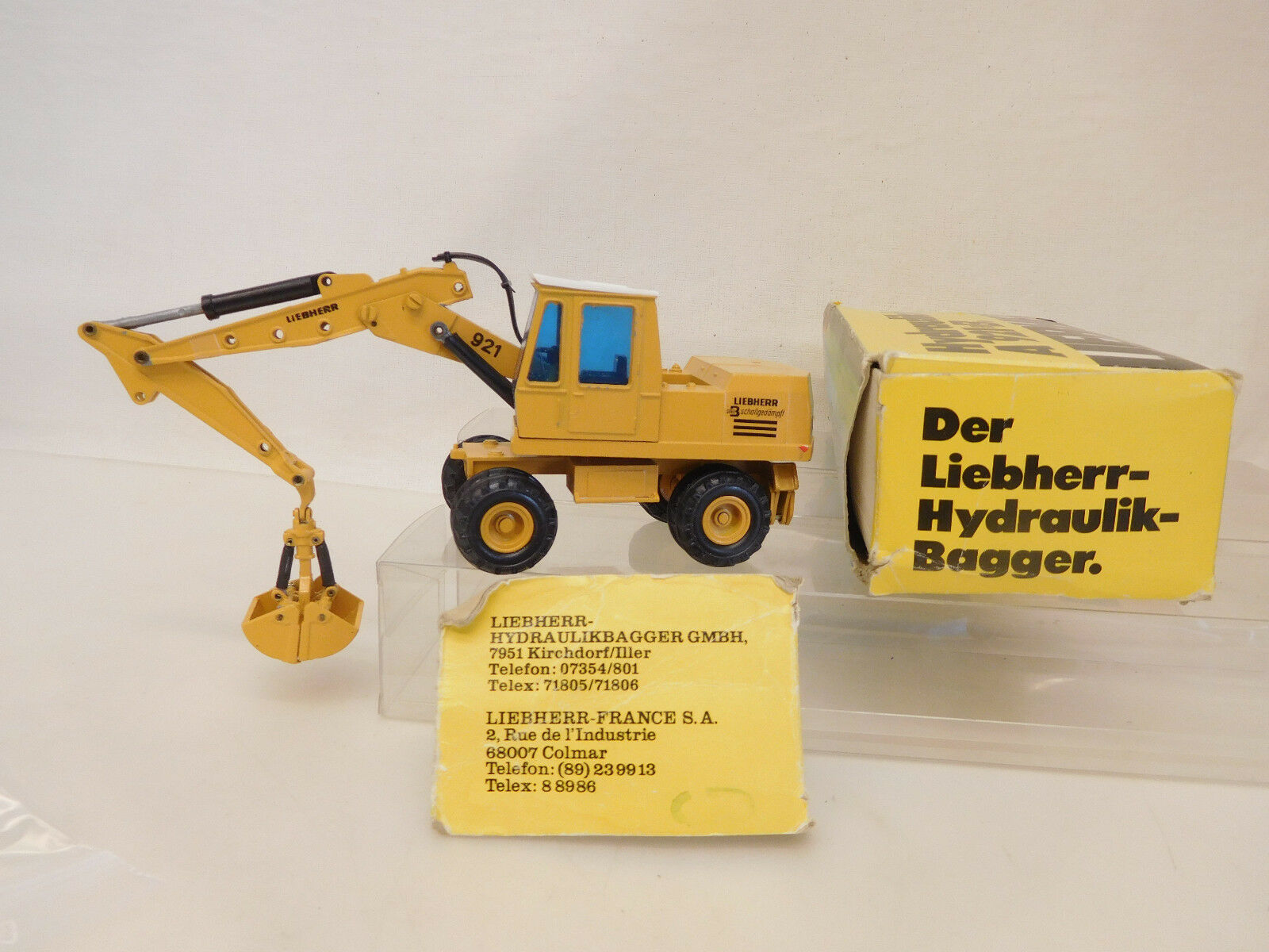 Esf-05520 GESCHA Liebherr 921 excavator, with slight wear