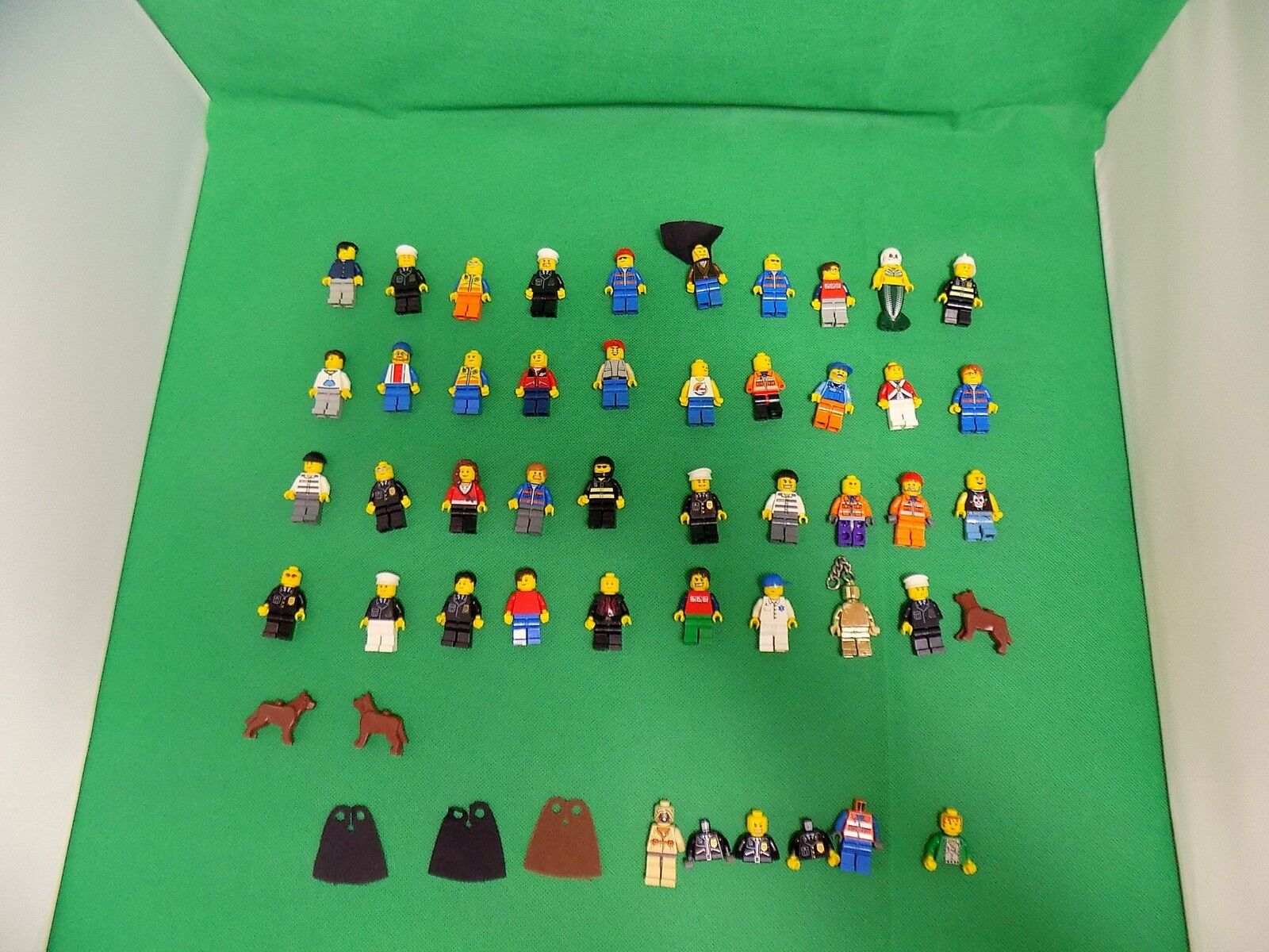 Lego Figurines x 42 Lot mixte  autres Bits