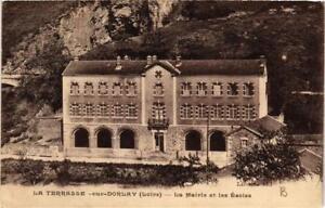 CPA-La-Terrasse-sur-Dorlay-La-Mairie-et-les-Ecoles-663808