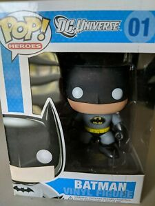 Funko-Pop-Batman-01-DC-Comics-Rare-Yellow-Bat-Symbol-Brand-New-In-Box
