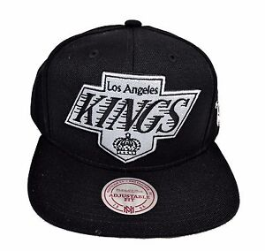 bdf6704f167b6 Los Angeles Kings Mitchell   Ness XL Vintage Black White Snapback ...