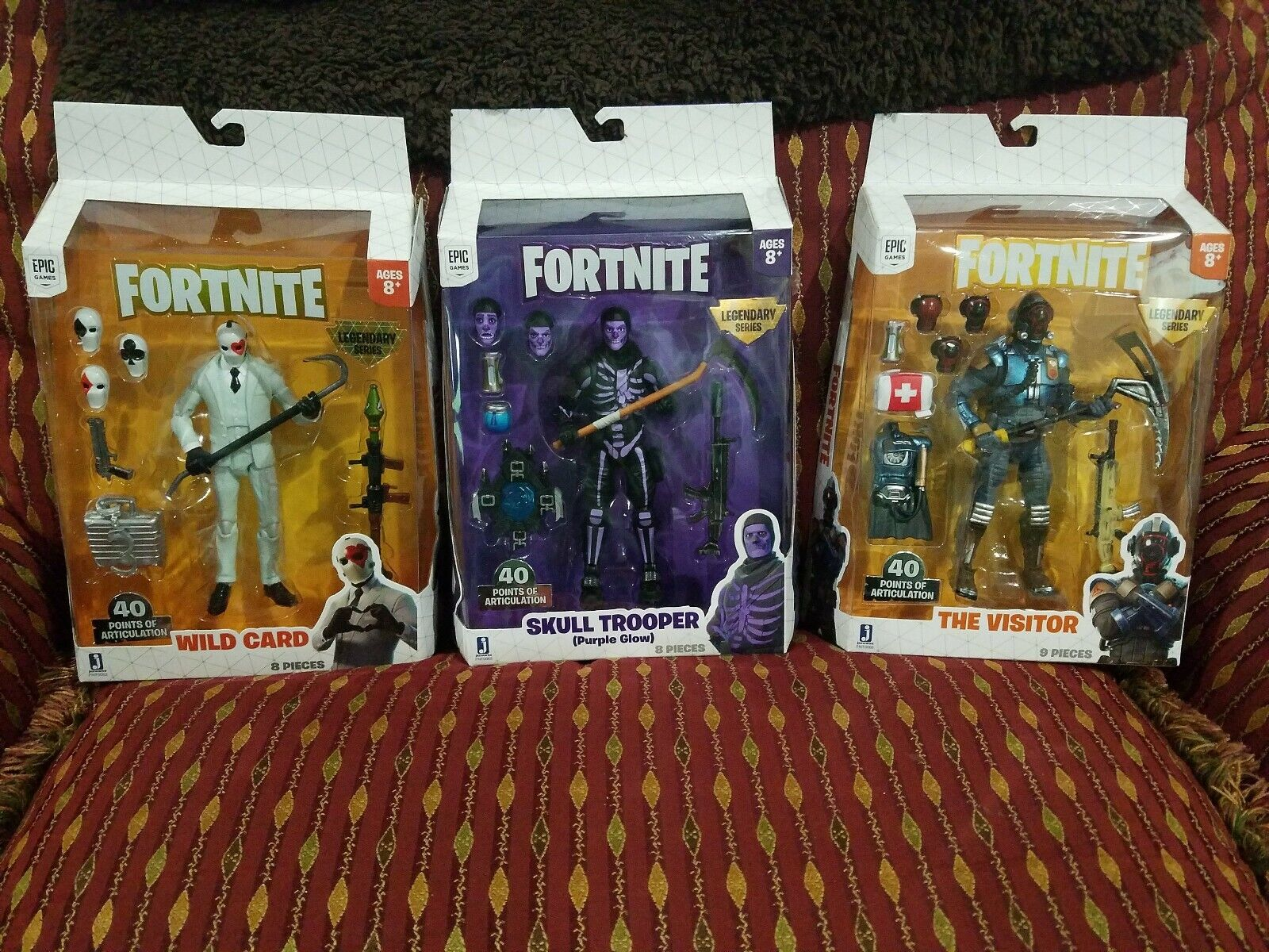 FORTNITE LEGENDARY SERIES Skull Trooper lila Glow, Wild Card, The Visitor, NEW