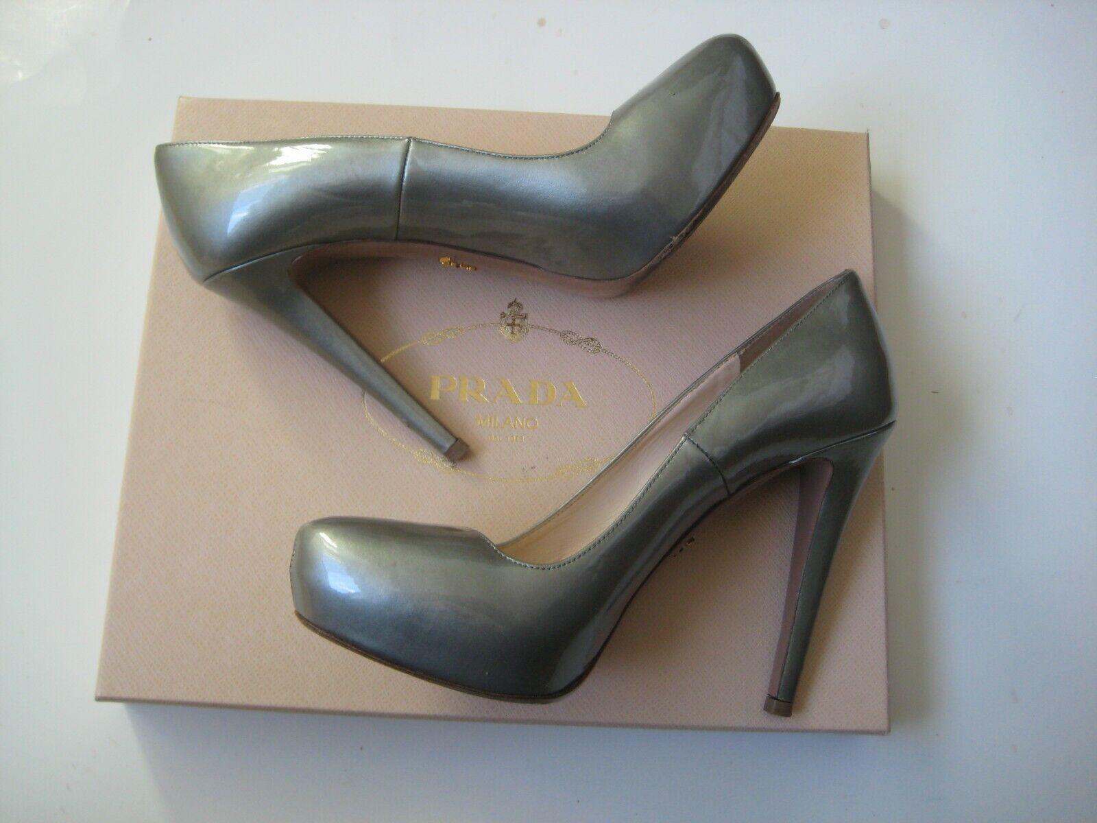 Authentic Prada Patent Leather  Platform Heels Pumps shoes Size 38 US 8