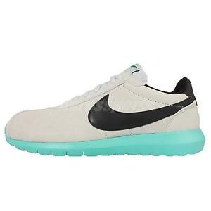 Nike Mens Roshe One Qs Shoes