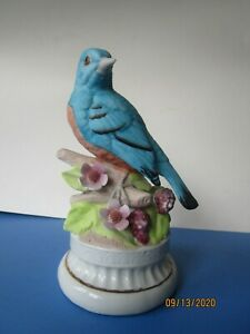 Vintage-Blue-Bird-Music-Box-7-in-tall-pre-owned-Very-NICE