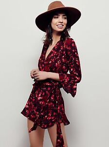 59249678625 NWT FREE PEOPLE SzS ALL THE RIGHT RUFFLES FLORAL 3 4 SLEEVE ROMPER ...