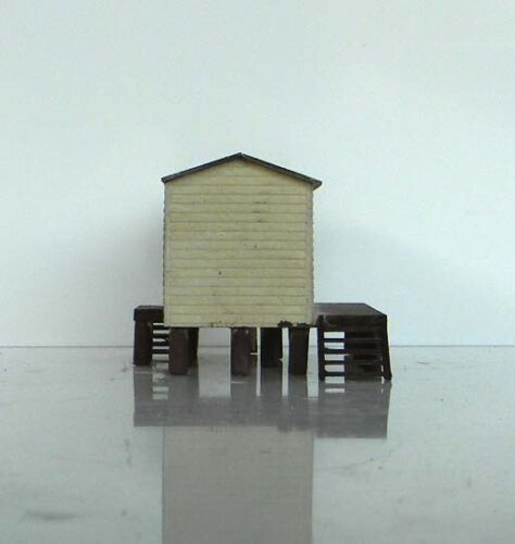 N scale building A2 QR Goods shed