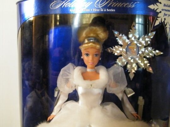 """1996 Disney Holiday Princess Special Edition 1st in Series 11.5"""" Cinderella Doll"""