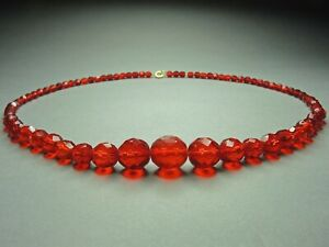 Vintage-Czech-Bohemian-Siam-Red-faceted-Glass-bead-necklace