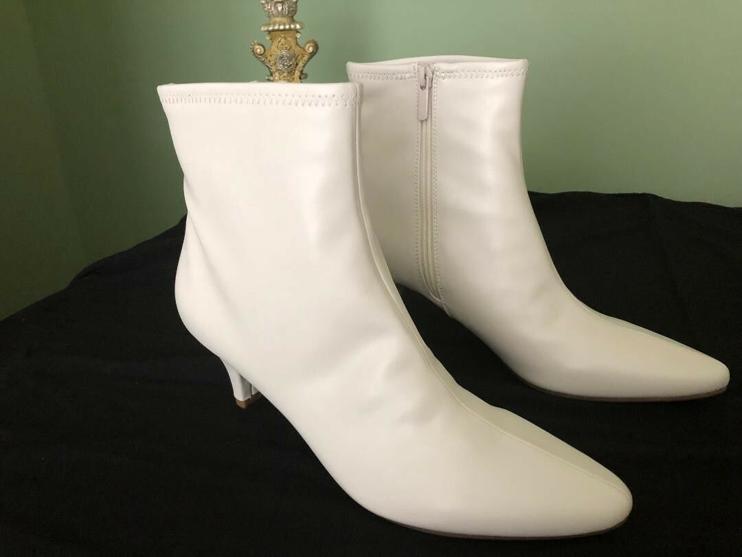 NEW White Leather  Ankle Boot (Ladies  US Size 9.5)