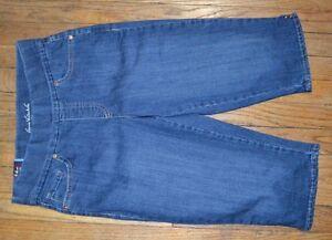 ff6460e82e9 Image is loading Gloria-Vanderbilt-Avery-Pull-On-Jean-Skimmer-Jeans-