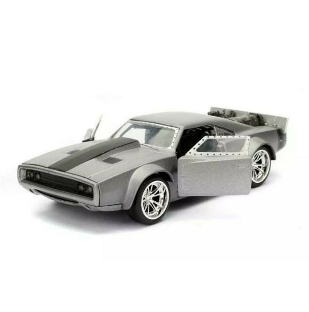 Dom/'s Ice Dodge Charger R//T Fast and Furious 8 silber 1:24 Jada Toys