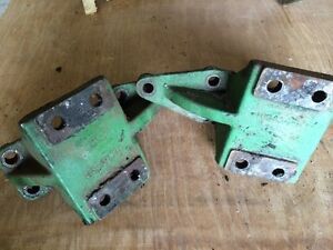 Pair John Deere Sickle Mower Mounting Brackets for gear box JD 8 H10434H