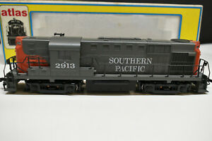 ATLAS-HO-SCALE-7093-SOUTHERN-PACIFIC-RS-11-DIESEL-ENGINE-KATO-DRIVE-ROAD-2913