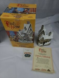 David-Winter-Cottages-Fred-039-s-Home-Christmas-Cottage-1991-MIB-COA