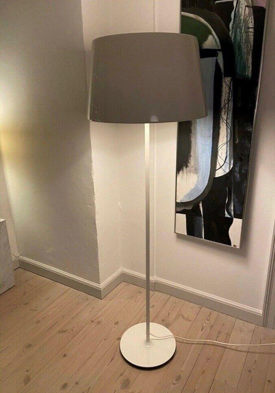 Gulvlampe, Ikea, Ikea lampe. Model Kulla. Hvid metal uden