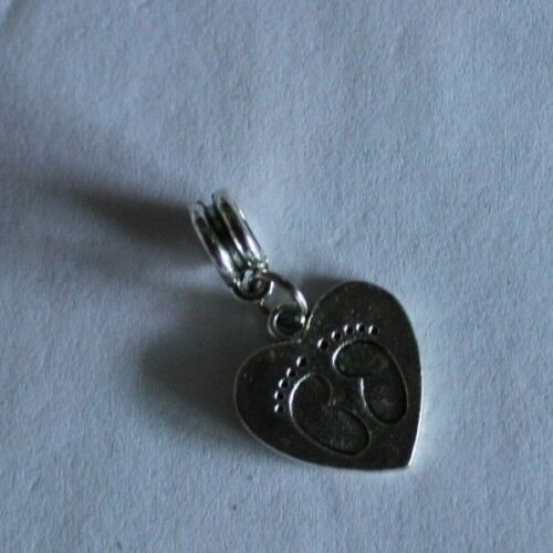 1 X FOOT//HAND PRINT BABY THEMED 5 STYLES AVAILABLE EUROPEAN BAIL BEAD CHARMS